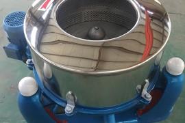 泰山三足离心脱水机与平板离心脱水机